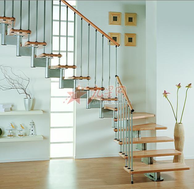 三跑楼梯设计图片