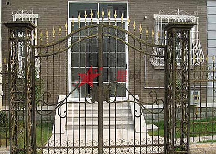 欧式白色铁门装修效果图
