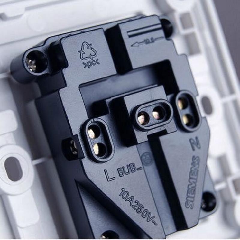 西门子开关插座面板开关 品宜 雅白 五孔插座 5ub0615