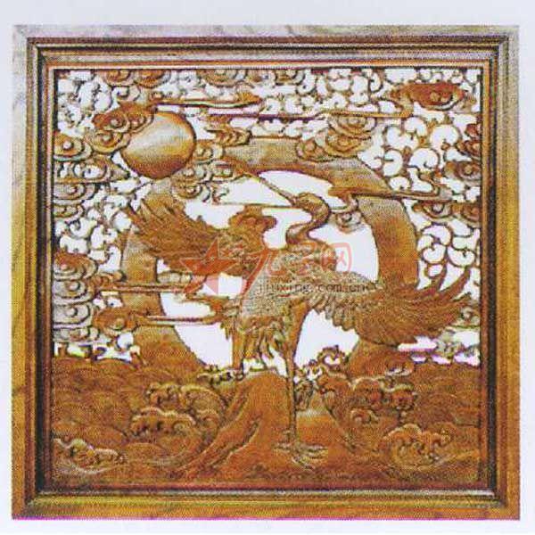 """东阳木雕在工艺操作上有""""图稿设计"""",""""打坯"""",""""修光""""的分工."""