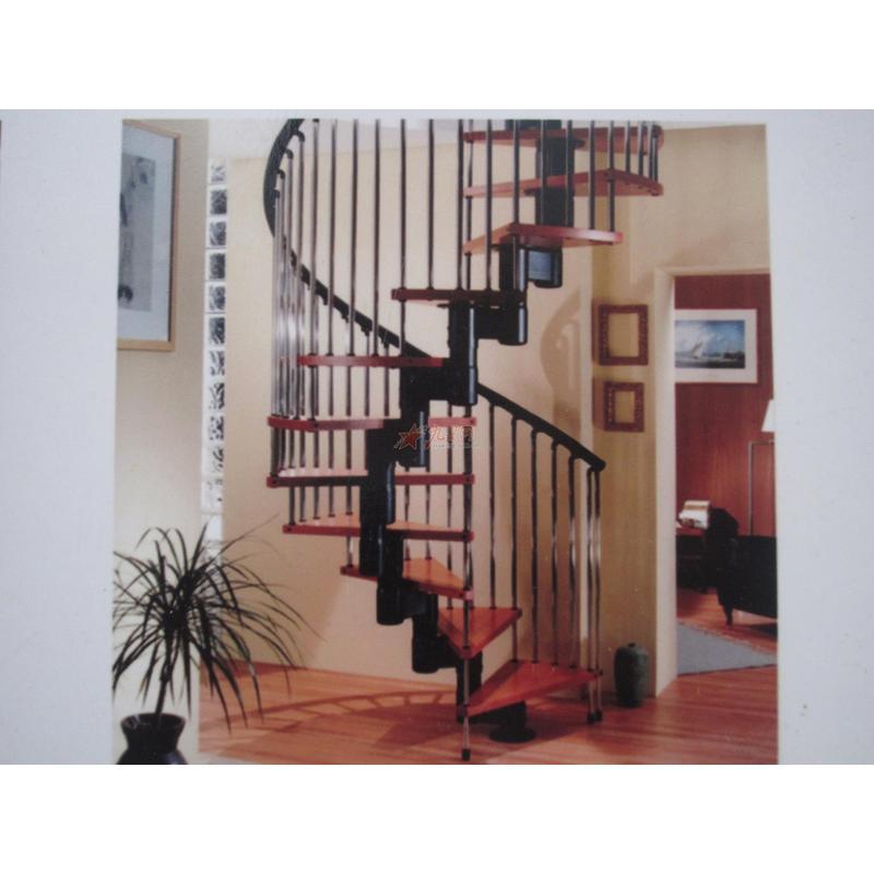荣鑫精品楼梯 木制楼梯 旋转楼梯 钢制楼梯 可定做