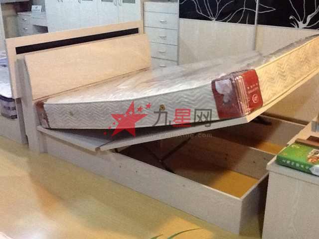 带储存箱双人床 生态板家具