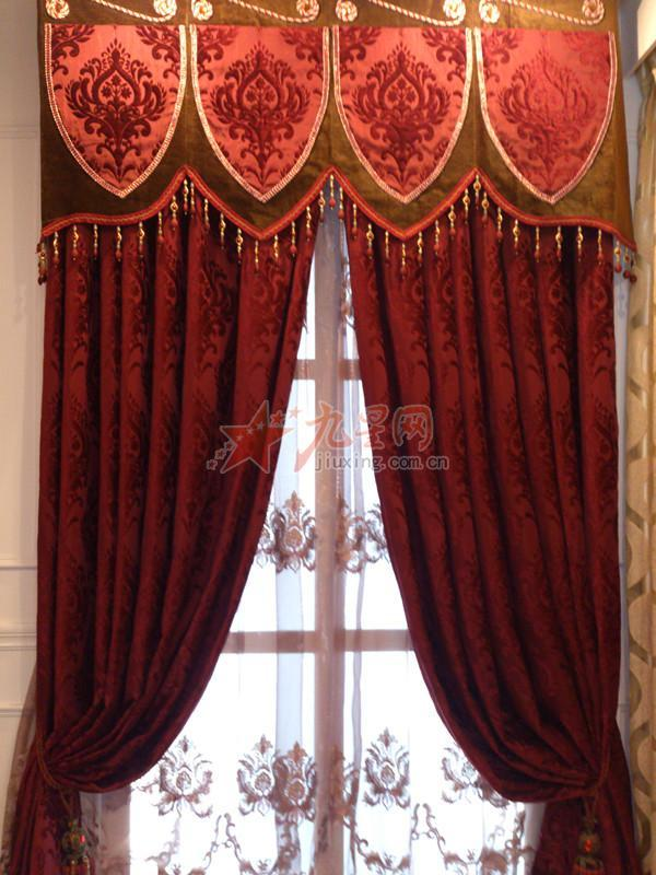红色欧式窗帘效果图