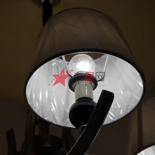 那么,你就必须购买和安装一个新的足以支撑你的水晶吊灯重量的接线盒.