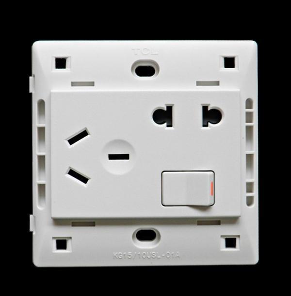 TCL-legrand K4.0系列:一开五孔 产品参数说明: 品牌:TCL-legrand 规格:86型 电流:开关16A,插座10A. 功能:适用于小型电器,开关可以单独控制同面板插座,也可以单独控制其它,此开关为单控 材质:阻燃PC料 颜色:白色