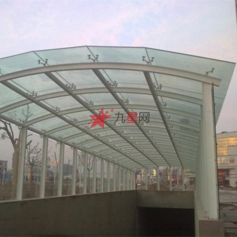 3,玻璃雨棚内部结构可方便地进行电缆铺设.