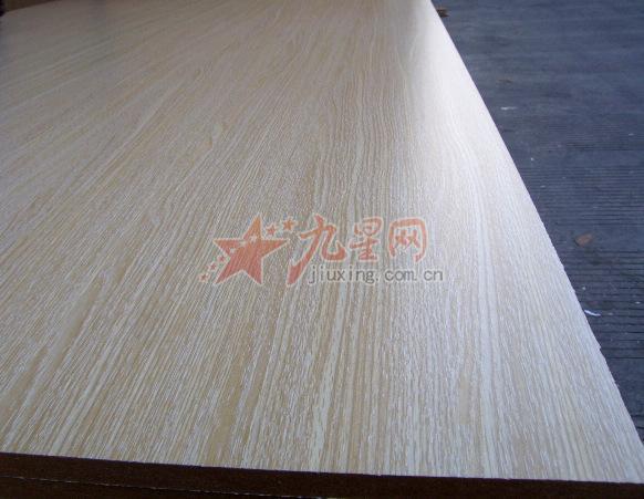 18厘三聚氢氨贴面板 胡桃木
