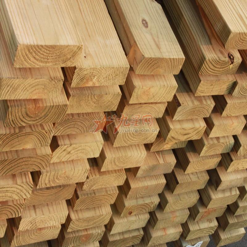 五宝防腐木是一家引进国外最先进防腐技术,公司引进印尼板材、非洲原木、马来西亚柳桉板材、南美菠萝格、俄罗斯樟子松板材、美国南方松等等国内外名贵木材。公司经过十年不断努力成为上海最大的防腐加工厂家。加工生产过程中,厂家对加工流水线各种环节进行严格监控。在质量指数完全达标,公司通过上海市产品质量检测中心检测,也达到了国际GB50206-2008质量标准。生产产品到达防腐、防霉、防白蚁的功能,防腐耐久达到30年。