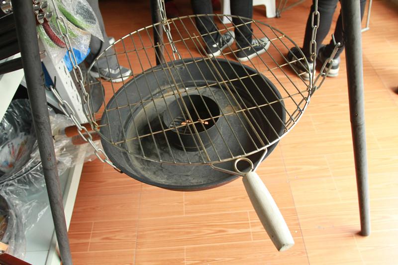 禾场 欧美式三脚架烧烤炉