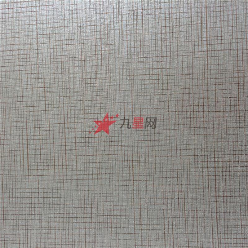 长条状的花纹墙纸具有恒久性
