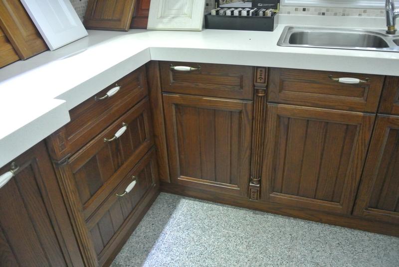 产品名称:实木橱柜 美国红橡 颜色分类: 多种颜色可选 台面