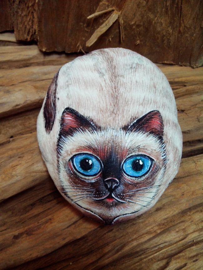手绘石头招财猫